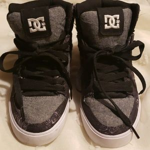 DC sz 6 high tops